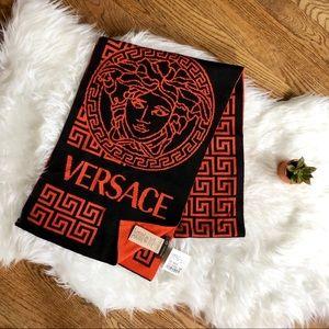 Versace men's reversible winter scarf 🧣